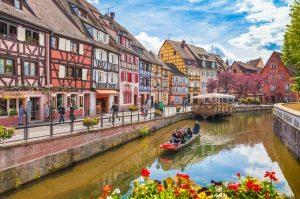 Khám phá thị trấn cổ tích nước Pháp