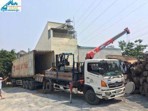 Bốc xếp hàng hóa quận Tân Phú - Dịch vụ nhanh chóng, giá rẻ